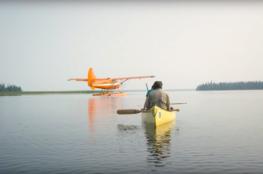 Доставка каноэ на удалённое озеро поплавковым самолётом